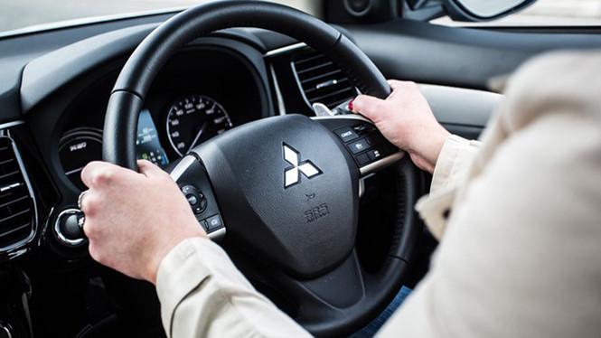 Làm gì khi ôtô mất trợ lực lái