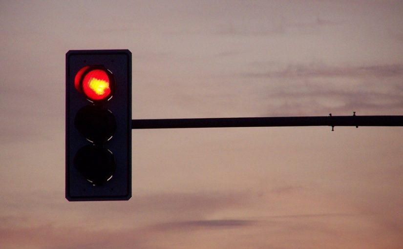 xử lý khi gặp đèn đỏ
