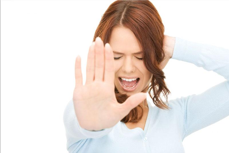 Có rất nhiều nguyên nhân khiến ta bị ù tai
